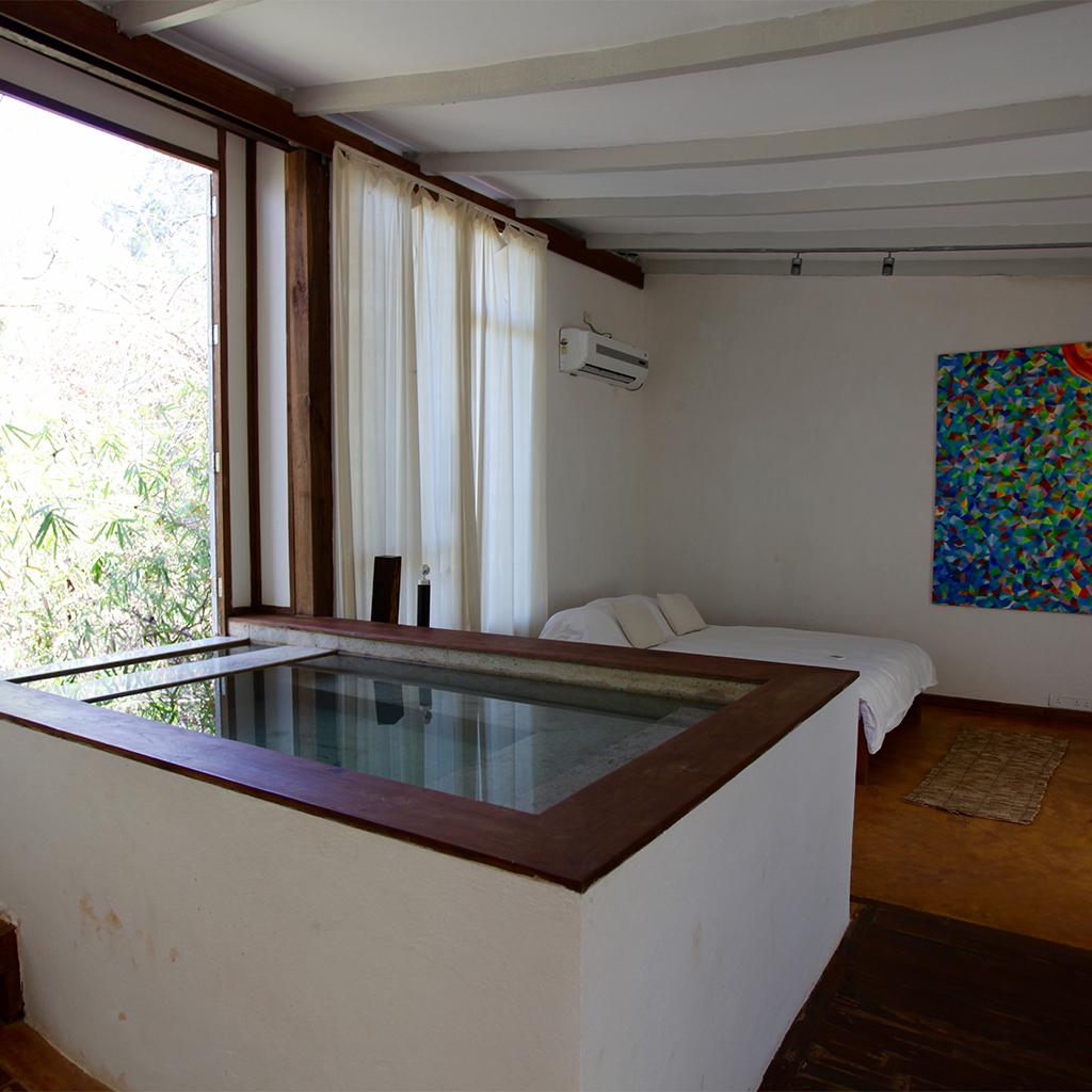 Kaju Varo - номер для новобрачных - крытый бассейн